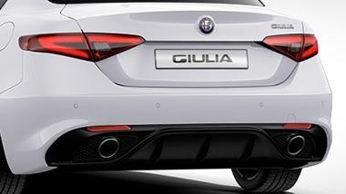 Alfa Romeo Giulia (2019) Exterior 011
