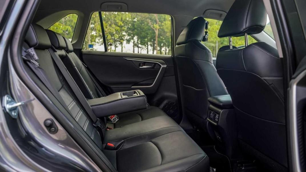2020 Toyota RAV4 2.5L Interior 023
