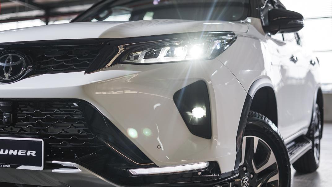 2021 Toyota Fortuner 2.8 VRZ AT 4x4 Exterior 007