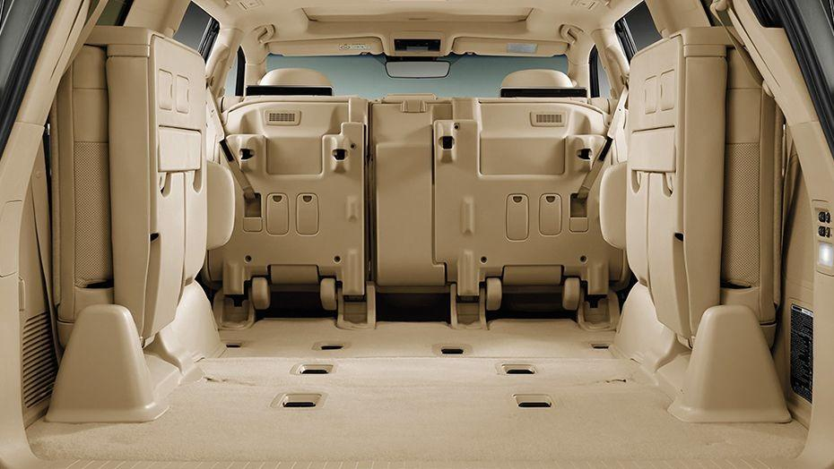 Lexus LX (2018) Interior 009