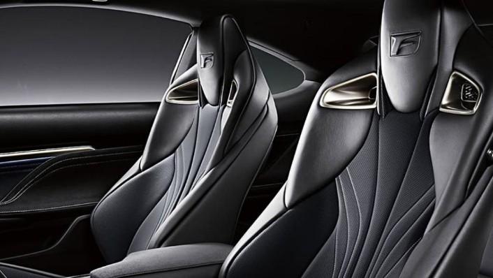 Lexus RC F (2020) Interior 009