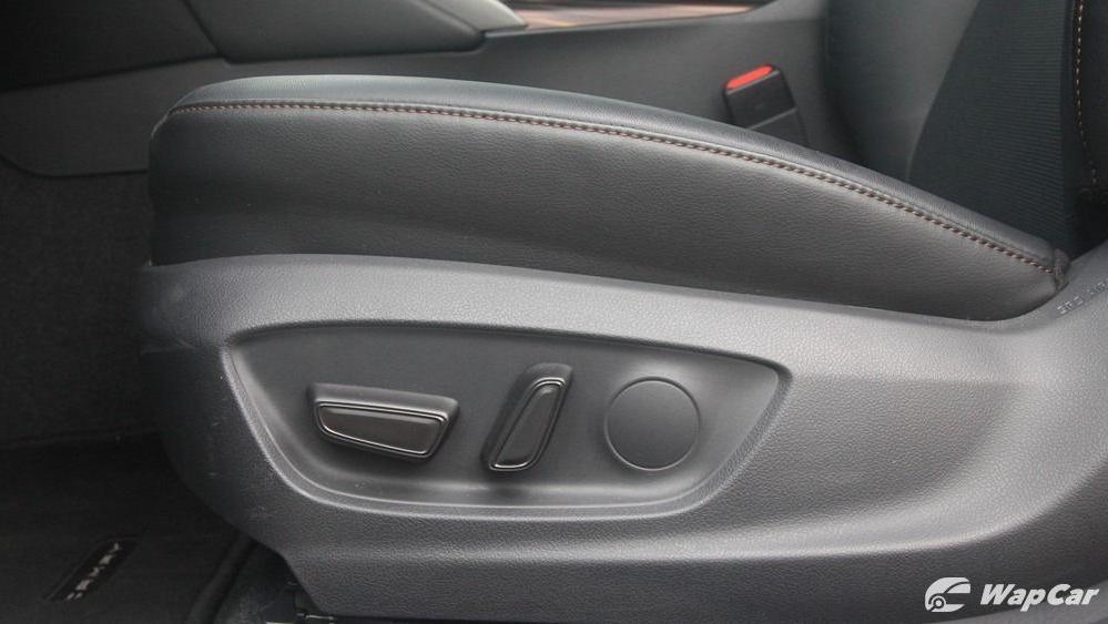 2019 Toyota Camry 2.5V Interior 143