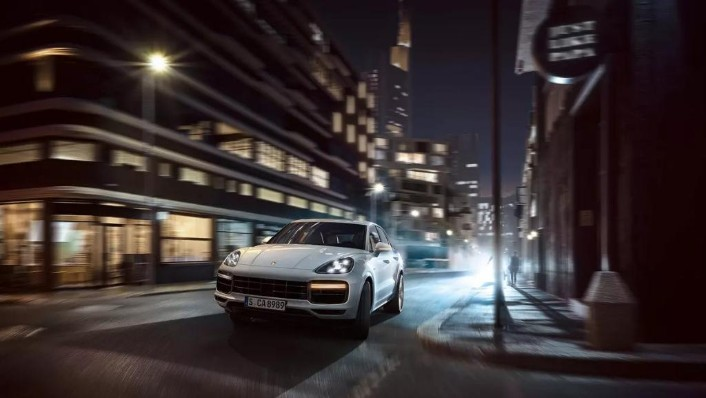 Porsche Cayenne (2019) Exterior 004
