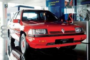 Tun Mahathir wishes the Proton Saga a happy 35th birthday