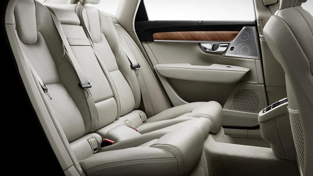 2020 Volvo S90 Interior 003