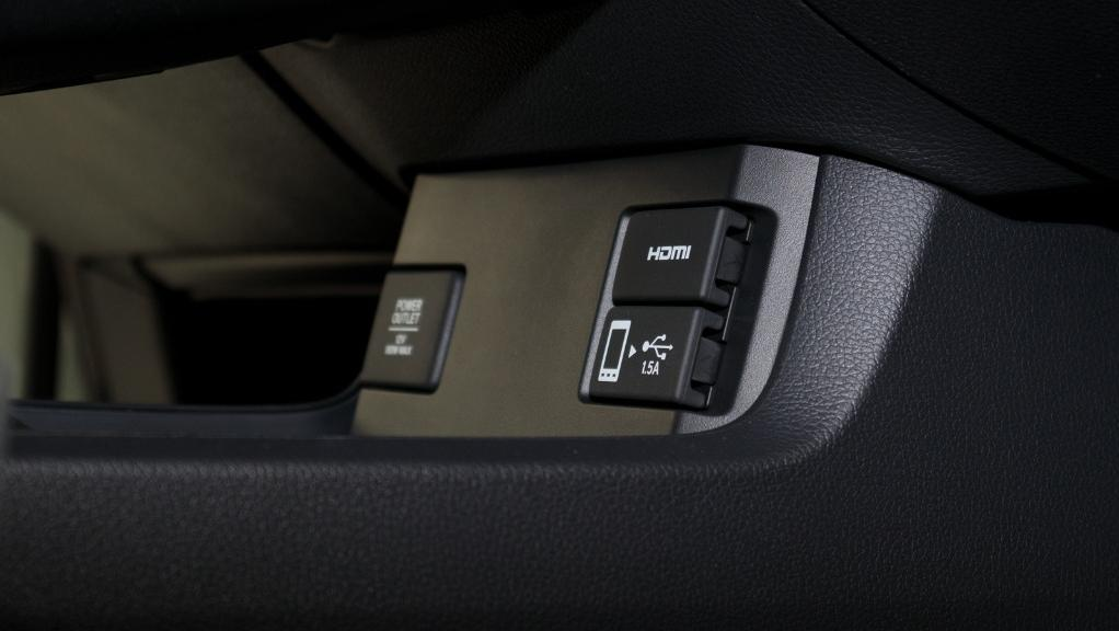 2018 Honda Civic 1.5TC Premium Interior 042