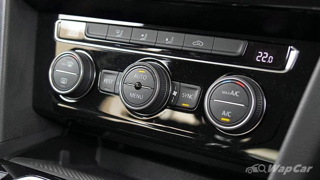 2020 Volkswagen Passat 2.0TSI Elegance Interior 028