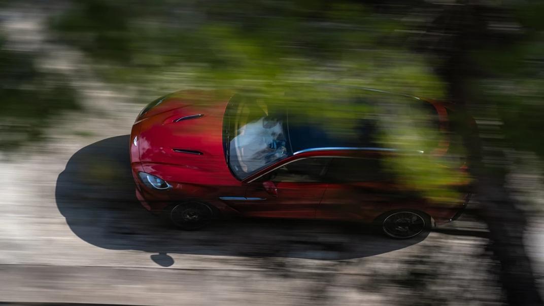2021 Aston Martin DBX Exterior 006