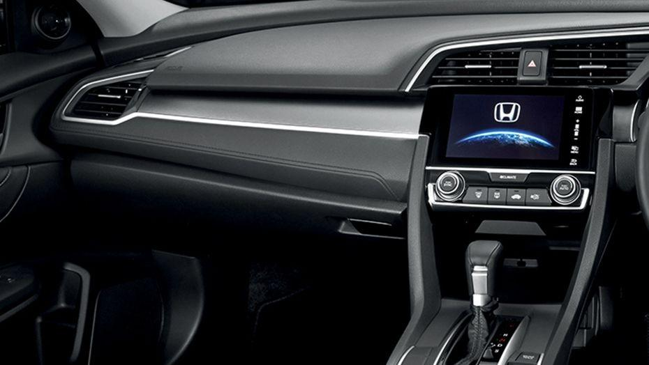 Honda Civic (2018) Interior 006