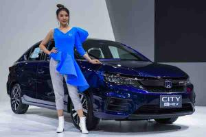 Thailand's blue or Malaysia's red? Which do you prefer on the 2020 Honda City?