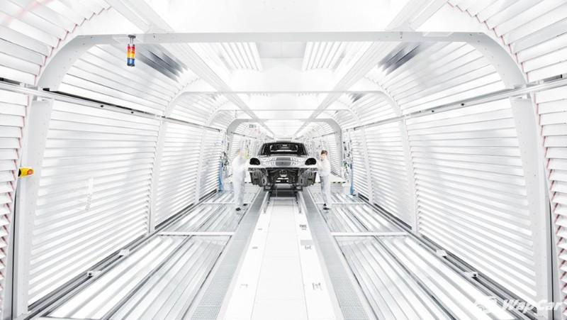 The next Porsche Macan is all-electric, based on Porsche Taycan platform 02