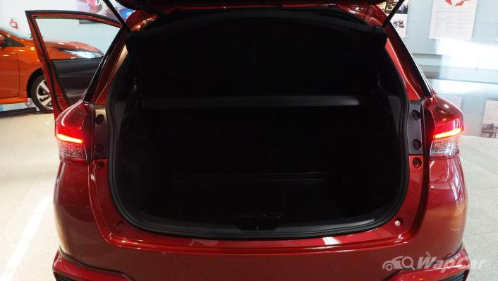 2021 Toyota Yaris 1.5G Interior 007