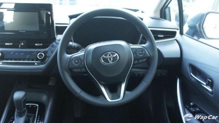 2019 Toyota Corolla Altis 1.8E Interior 005