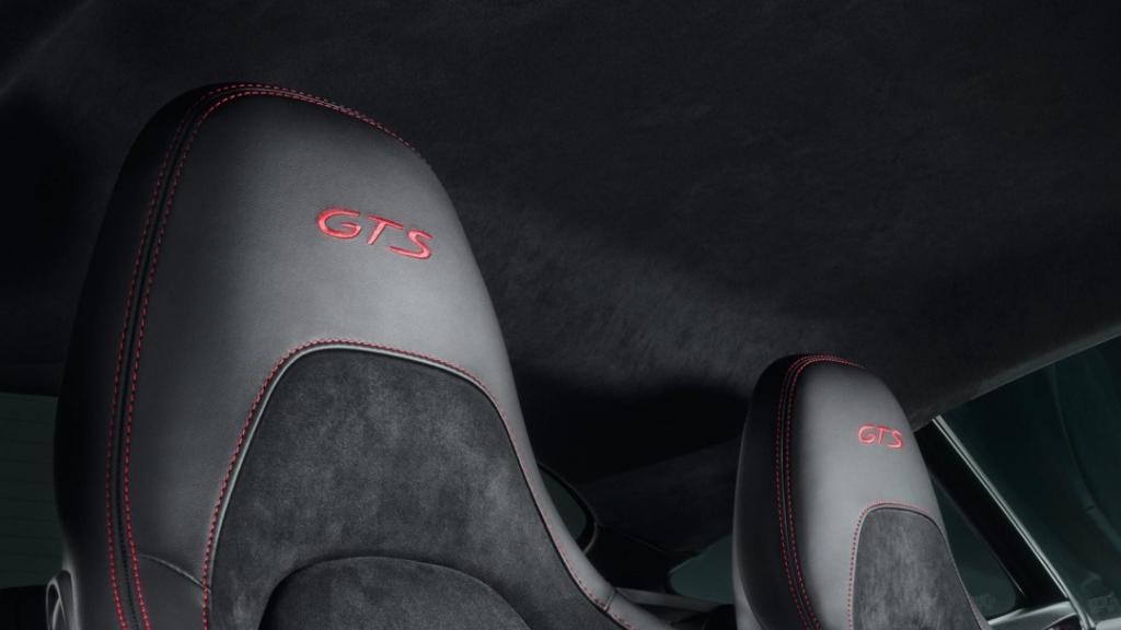 2018 Porsche 718 718 Cayman GTS Interior 005