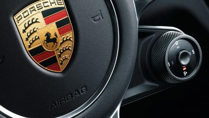 Porsche Cayenne Coupé (2019) Interior 006