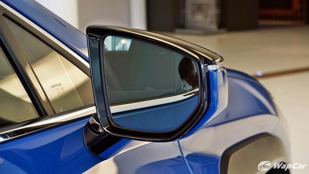 2020 Lexus UX 200 Luxury Exterior 048