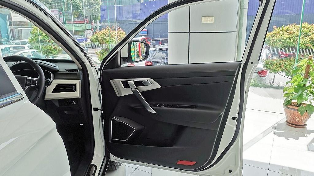 2018 Proton X70 1.8 TGDI Executive AWD Interior 057