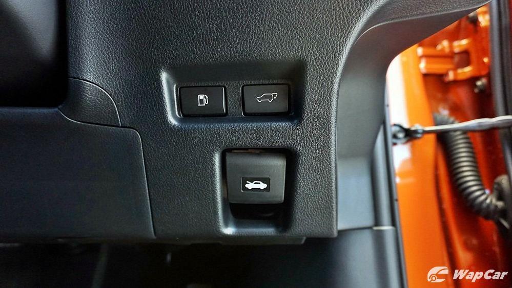2020 Lexus UX 200 Urban Interior 060