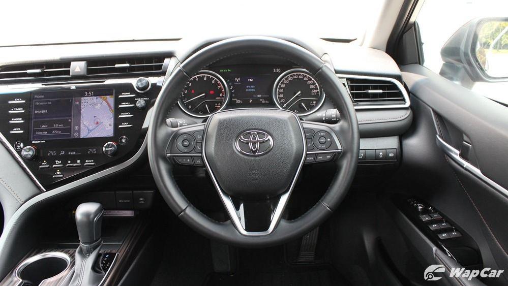 2019 Toyota Camry 2.5V Interior 043