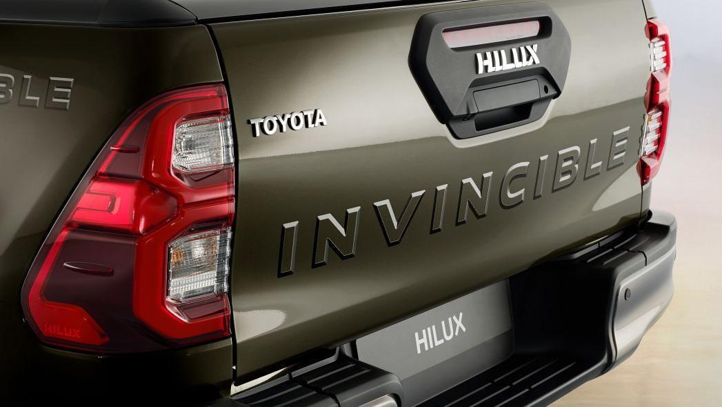 2020 Toyota Hilux Exterior 009