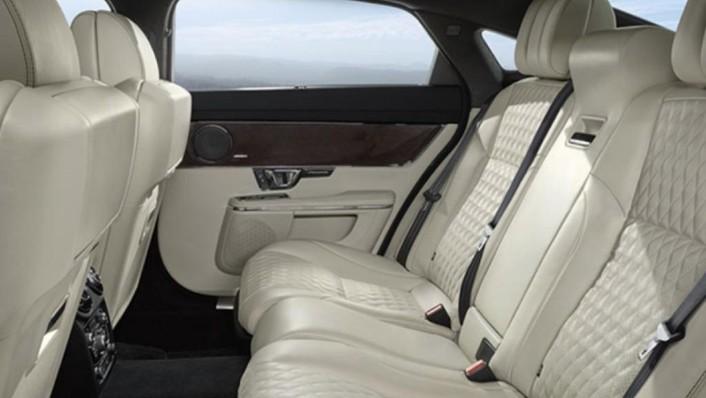 Jaguar XJ (2017) Interior 004