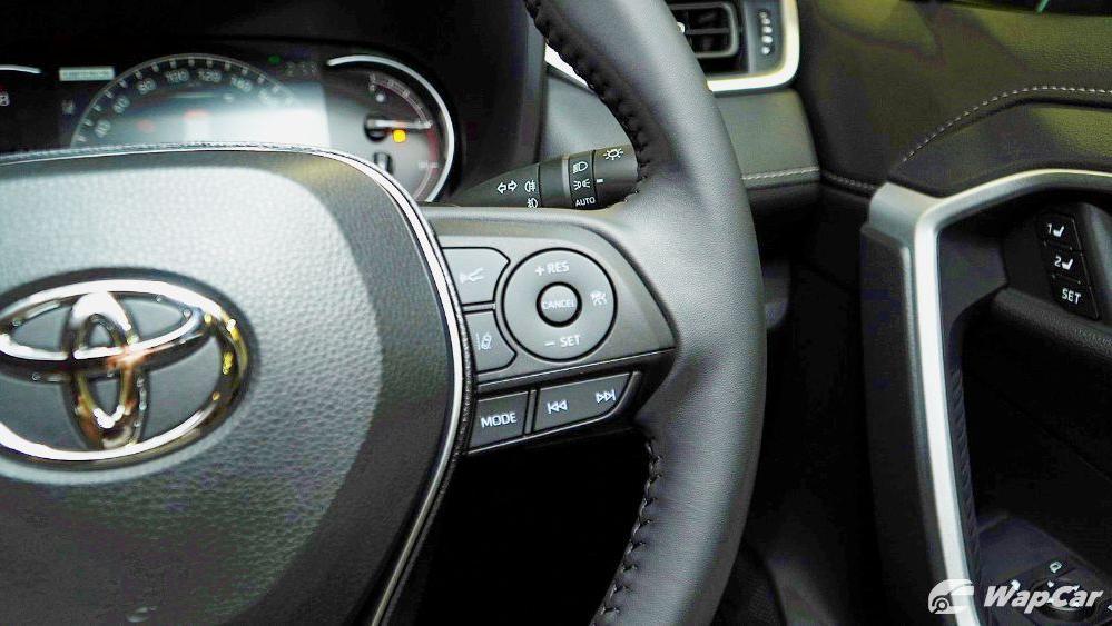 2020 Toyota RAV4 2.5L Interior 038