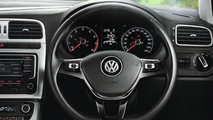 Volkswagen Polo (2018) Interior 002
