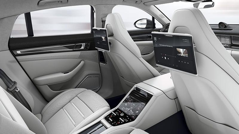 Porsche Panamera Turbo(2019) Interior 003