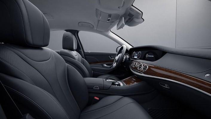 2019 Mercedes-Benz S 560 e Exclusive Interior 003