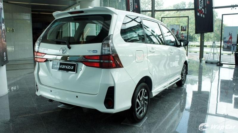 Toyota Avanza rear quarter view