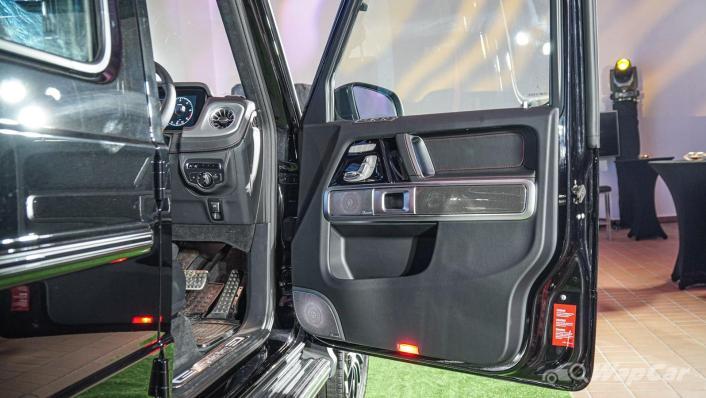 2020 Mercededs-Benz G-Class 350 d Interior 002