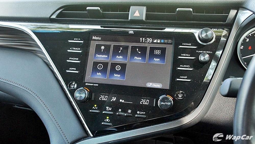 2019 Toyota Camry 2.5V Interior 079