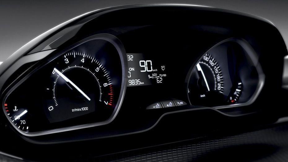 Peugeot 208 GTi (2018) Interior 003