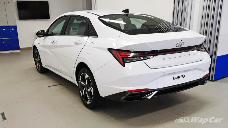 2021 Hyundai Elantra vs Mazda 3 Sedan 1.5 - A Hyundai over a Mazda? 02