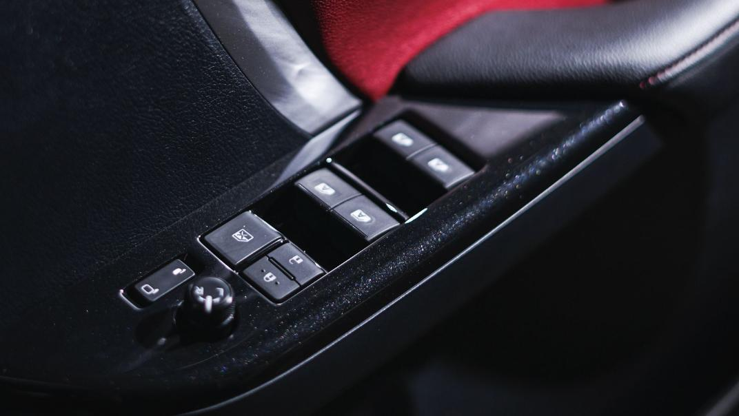 2021 Toyota Fortuner 2.8 VRZ AT 4x4 Interior 005