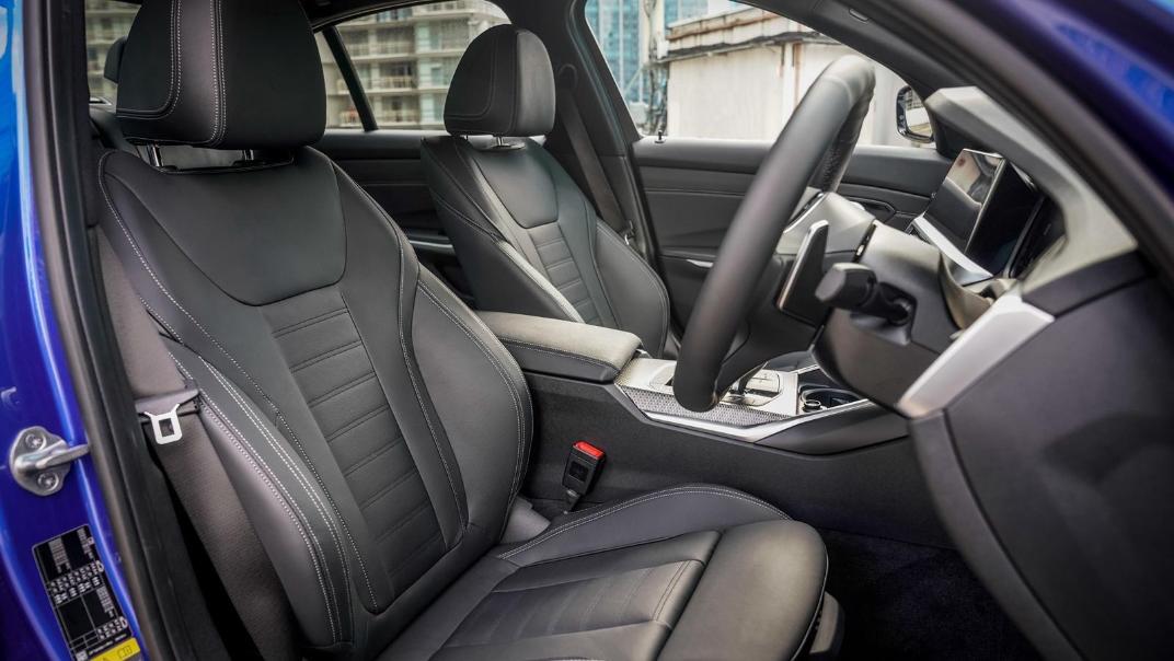 2020 BMW 3 Series 330e Interior 002