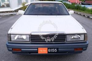 Goldmine: Luxuriate like a Japanese executive in this rare 1990 Mazda Luce