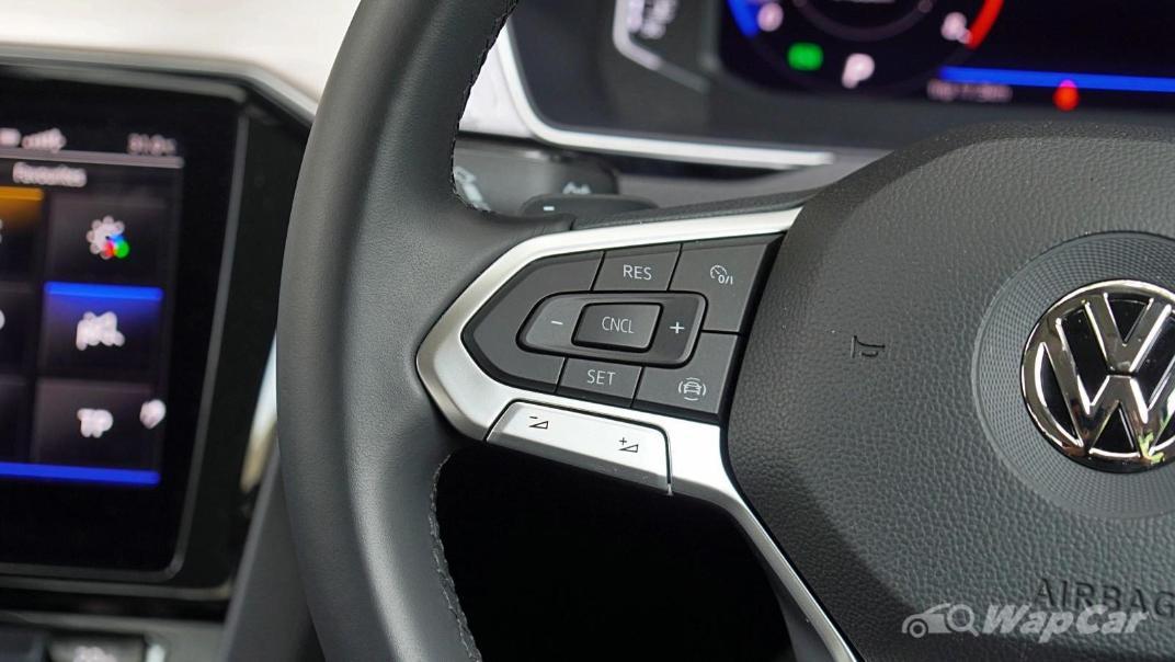 2020 Volkswagen Passat 2.0TSI Elegance Interior 007