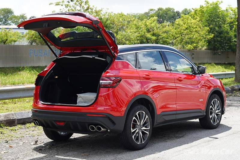 You can put some things on the Proton X50's roof but its owner's manual says you shouldn't 02