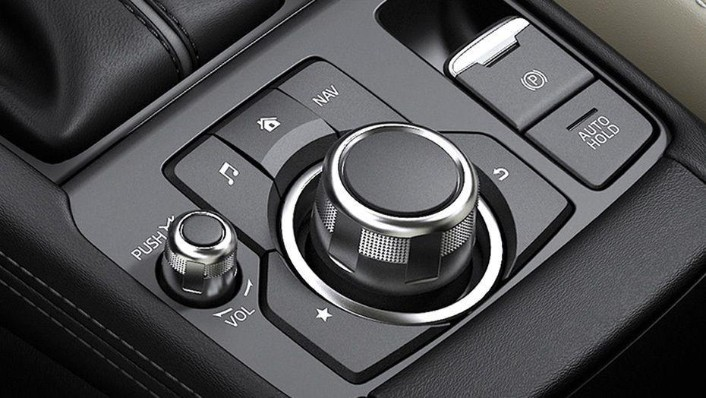 Mazda CX-3 (2018) Interior 005