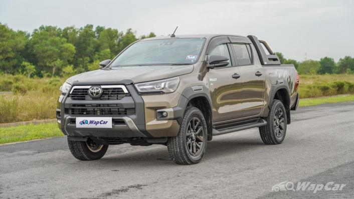 2020 Toyota Hilux Double Cab 2.8 Rogue AT 4X4 Exterior 001