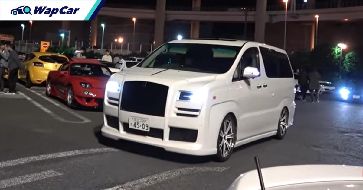 Someone in Japan modified aToyota Alphard to look like a Rolls Royce! 01