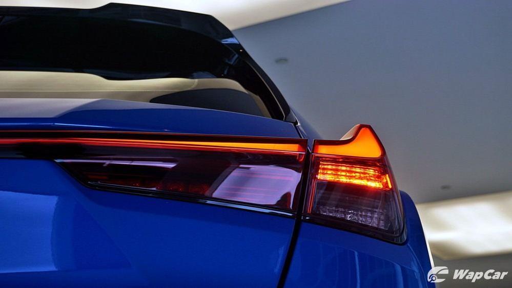 2020 Lexus UX 200 Luxury Exterior 042