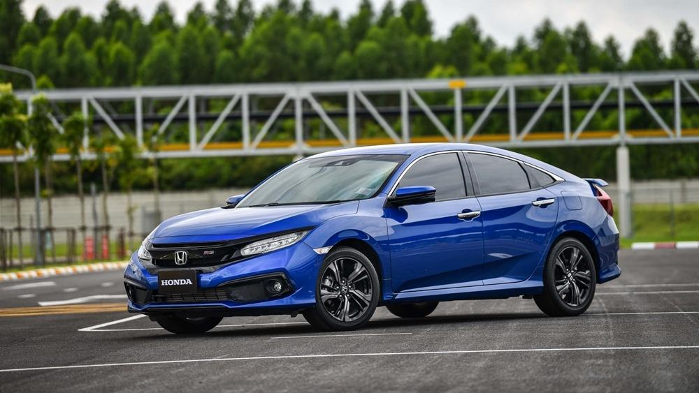 Here's why the new Honda Civic FC facelift's LaneWatch is better than blind spot monitor 01