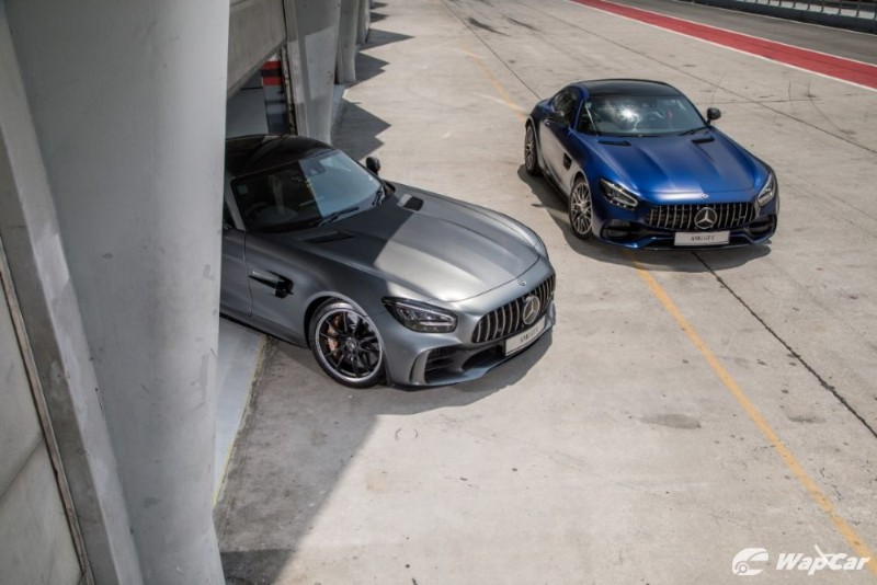 Mercedes AMG GT-C and GT-R top