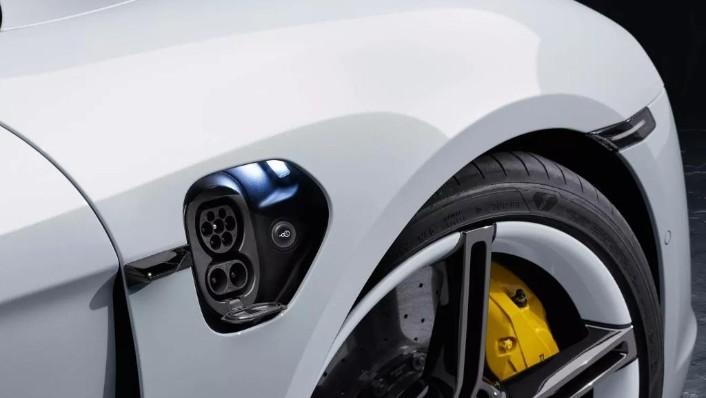 Porsche Taycan(2019) Exterior 008