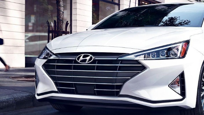 Hyundai Elantra (2018) Exterior 005