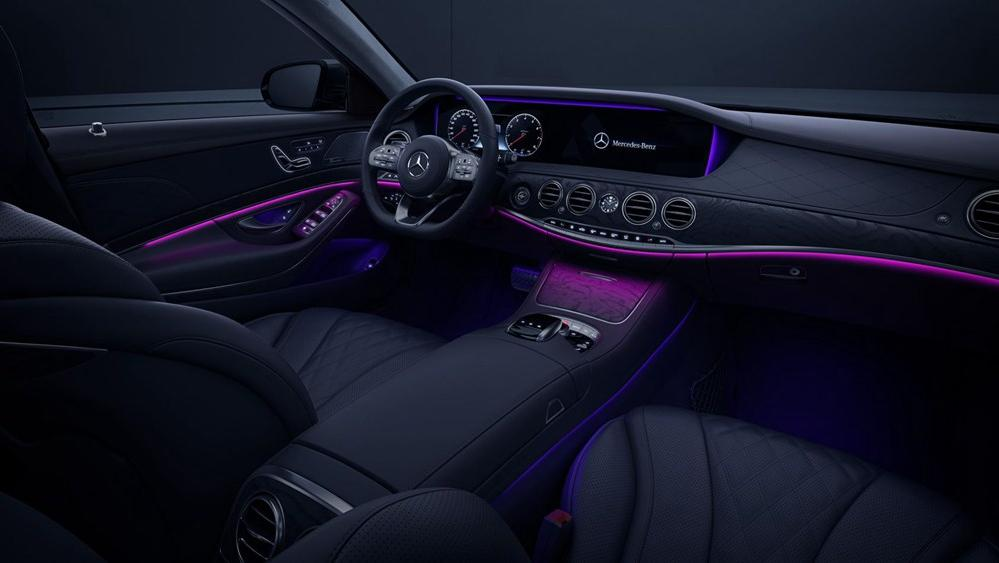 2019 Mercedes-Benz S 560 e Exclusive Interior 002