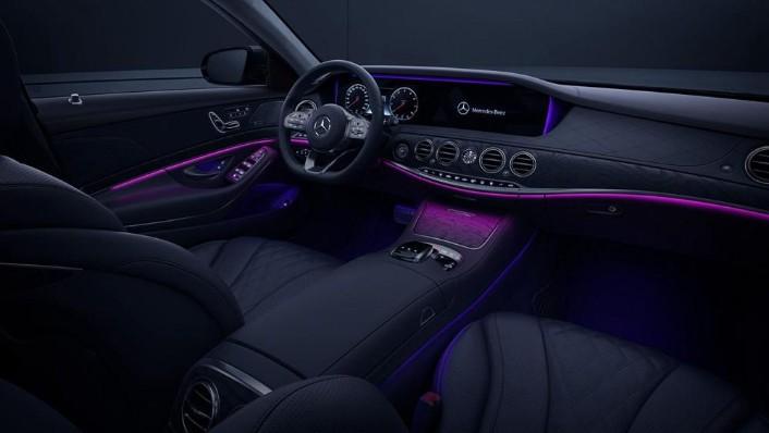 2019 Mercedes-Benz S 560 e Exclusive Interior 002