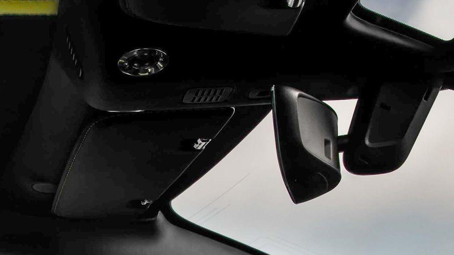 Aston Martin DB11 (2018) Interior 004